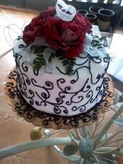 black and white cake.jpg