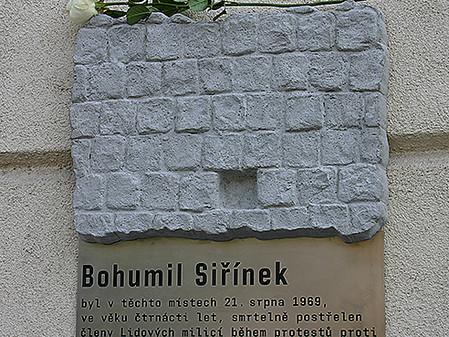 Bohumil Siřínek má v Praze pamětní desku