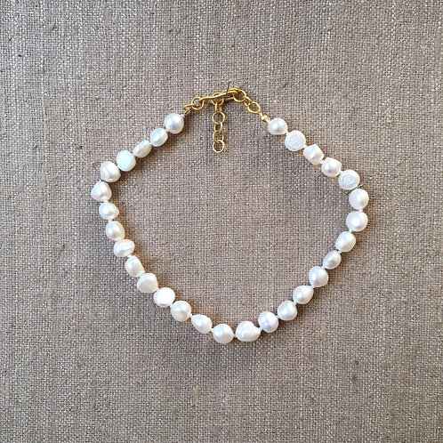 Freshwater pearl adjustable choker