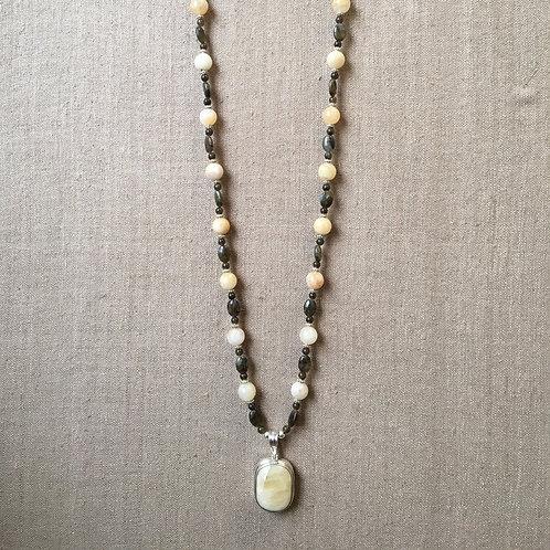 Honey jade, labradorite and agate necklace