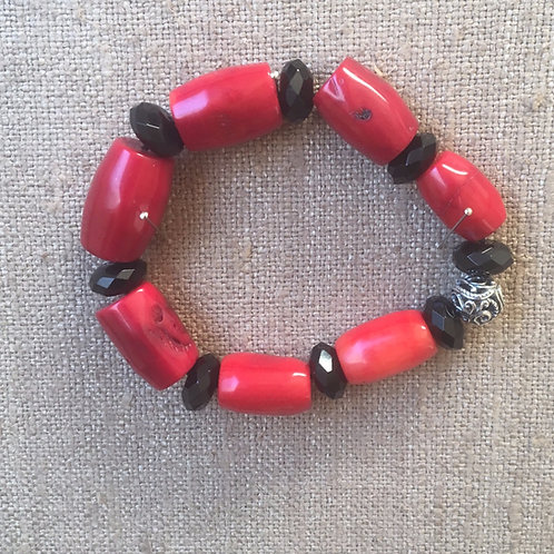 Red coral and onyx bracelet