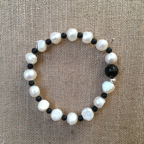 Baroque Pearl and Onyx Bracelet