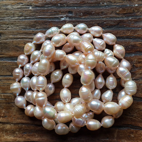 Peach pearl necklace