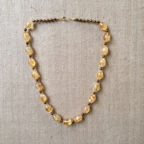Citrine and pearl necklace