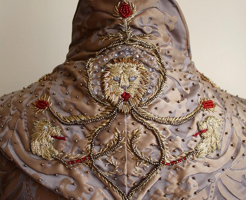 Sansa Wedding Embroidery Neck
