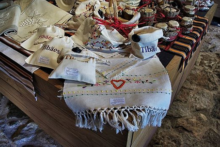 Produtos à venda na loja do Mosteiro de Tibães.