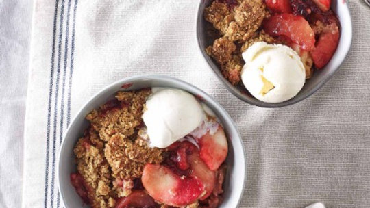 Cook Apple & Blackberry Crumble 6 Portion