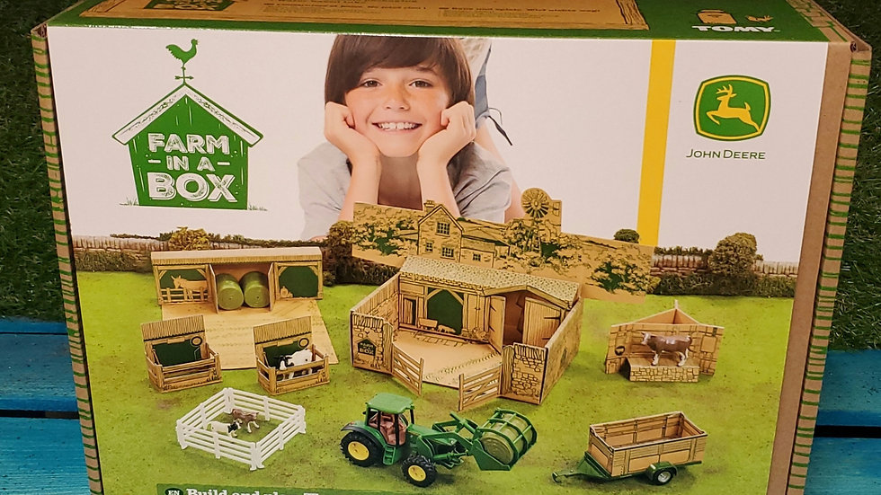 Tomy Britains Farm in a box playset 1:32 scale