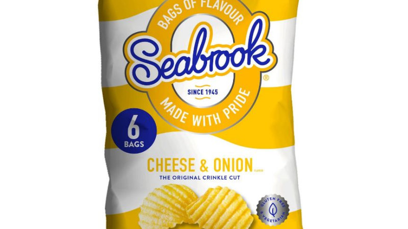 Seabrook Cheese & Onion Flavour Crinkle Cut Crisps Multipack 6x25g