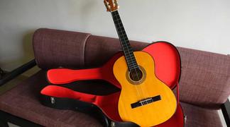 【コロナ身辺整理】マクタン島の老舗工房制作のギターと惜別