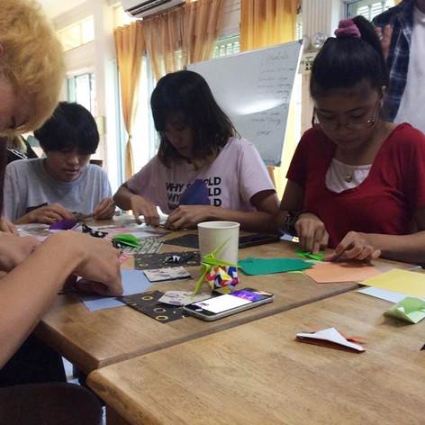 折り紙で文化交流