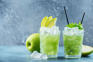 green-cocktail-with-ice-mint_221774-7090