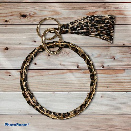 Leopard ring keychain