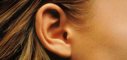 Le-lobe-d-oreille-nouveau-signe-exterieu