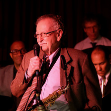 Original Thad Jones/Mel Lewis Orchestra member, Jerry Dodgion, addresses the crowd at the Village Vanguard at the band's 50th anniversary celebration, February 2016