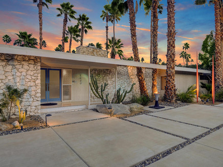 A 1960'S PALM SPRINGS PAD PERFECT FOR ENTERTAINING