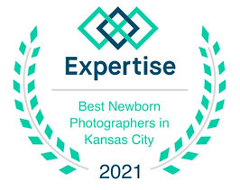 kansas city best newborn photographers