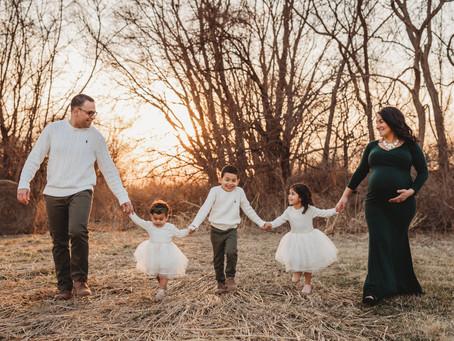 Kansas City Maternity Photographer | Joy's Maternity Session