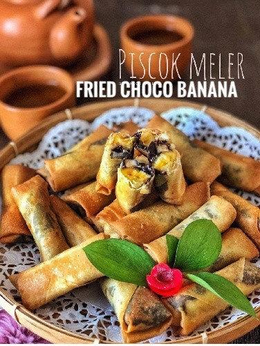 Piscok Lumer (Indonesian Fried Choco Banana Cookie)