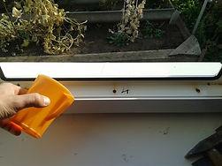 """Вода на подоконнике, текут окна , """"плачут"""" окна, потеет окно, промерзает окно"""