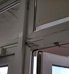 Ремонт пластиковых дверей в оренбурге, лопнул угол рамы у двери, сильный ветер сломал дверь