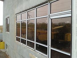 Не правильно установлено окно, ламинация окна, монтаж пластикового окна, пластиковый витраж, из окон дует, геометрия окна, окно не симметрично