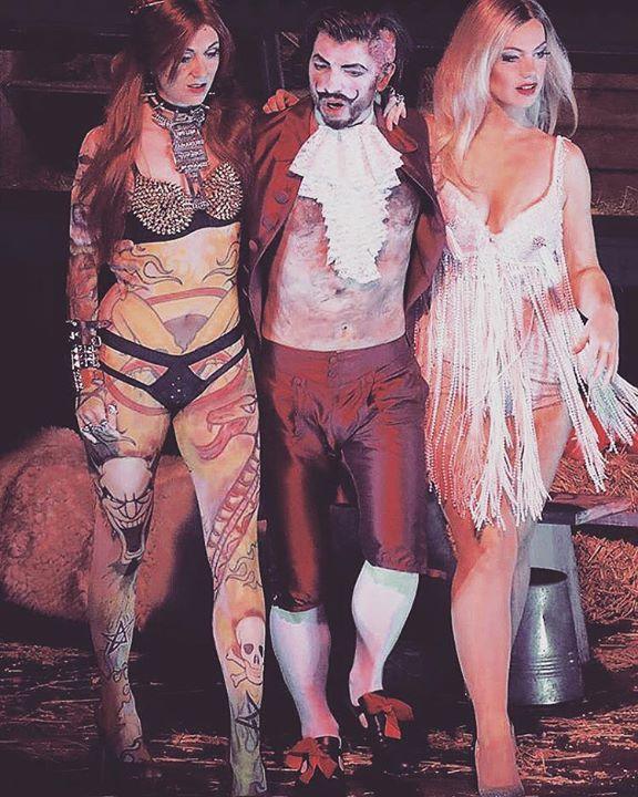 Prostitute- Aus Einem Totenhaus  Bayerische Staatsoper- Credit- Wilfried Hösl