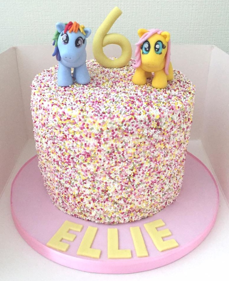Hundreds & Thousands Cake