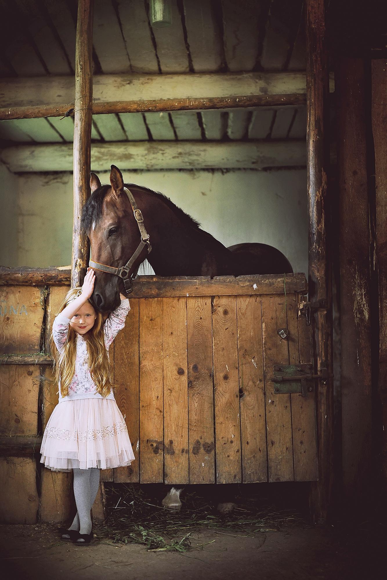 arklys zirgas vaikas asmenine fotosesija