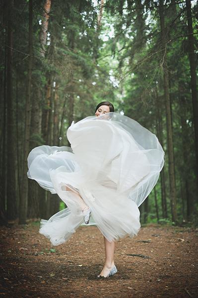 bride dancing nuotaka sokis jaunoji miske