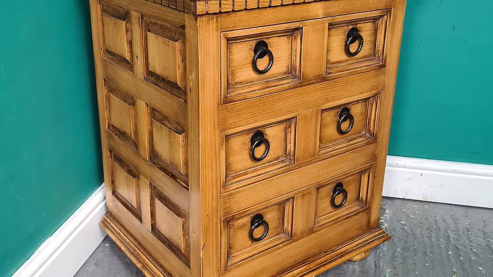 An Antique Style Small Chest of Drawers Bedside Table ~Delivery Available~