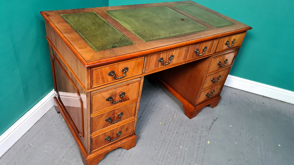 An Antique Style Twin Pedestal Leather Topped Desk ~Delivery Available~