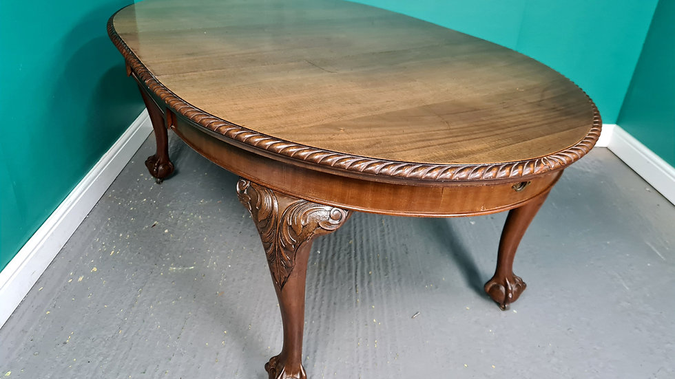 An Antique Mahogany Wind Out Extending Dining Table ~Delivery Available~