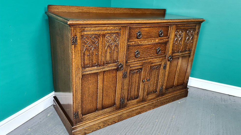 An Old Charm Style Oak Sideboard Buffet ~Delivery Available~