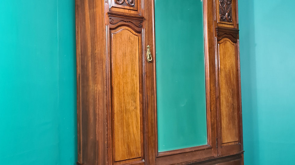 An Antique Early 20th Century Mahogany Wardrobe ~Delivery Available~