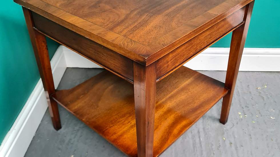 An Antique Style Small Lamp Table Occasional Coffee Table ~Delivery Available~
