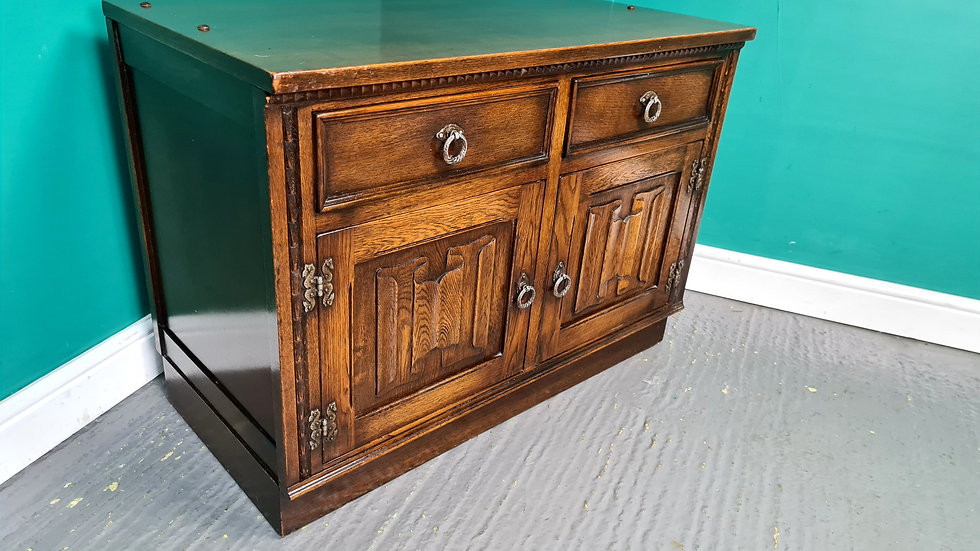 An Antique Style Oak Cabinet Sideboard T.V Stand ~Delivery Available~