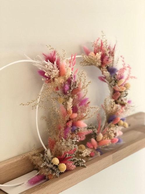 Droogkrans op voet - zalm/roze/paars/naturel