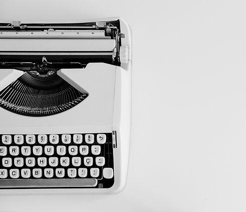 typewriter-skribudigital-content-agency.