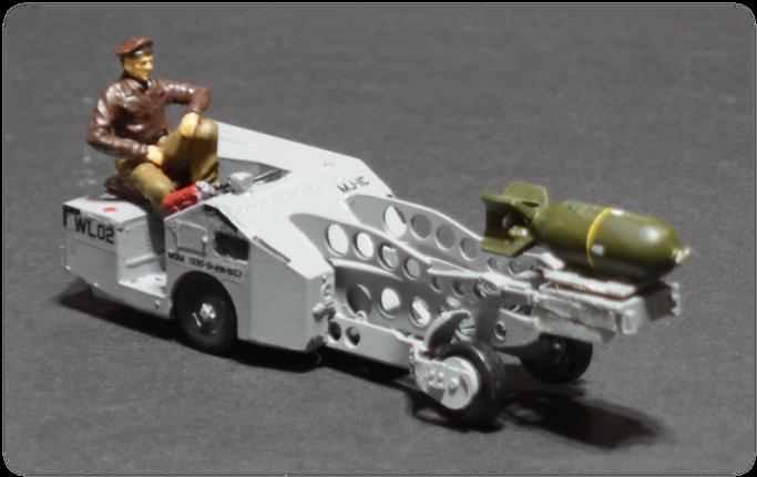 Verlinden USAF MJ-1A Bomb Loader Jammer Lift Truck, 1:32