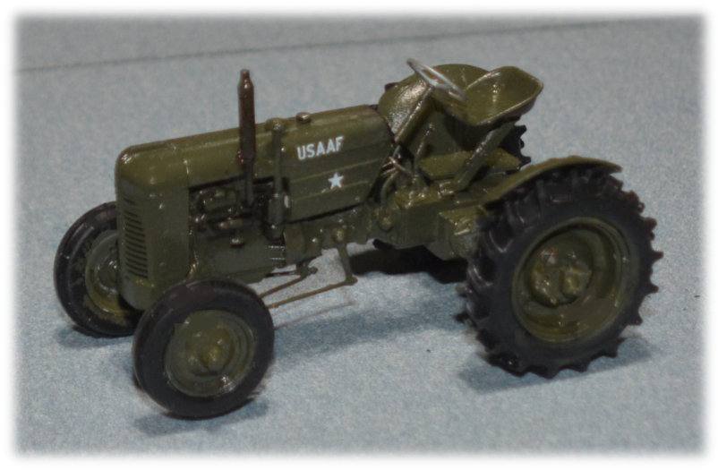 Thunder Model 35001 Case VAI tractor, 1:35
