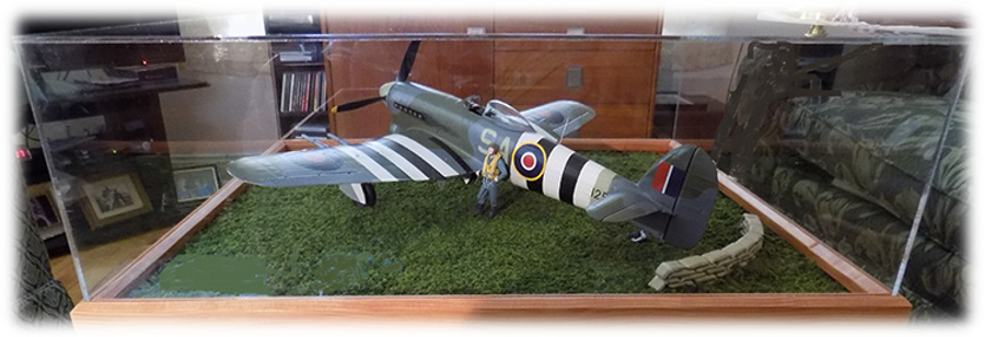 "Hawker Typhoon Mk.Ib (late) ""SA-Q"", 1:24"