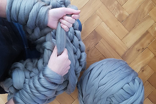 Beginners Arm Knitting - Knit a Throw - Winter Weekend