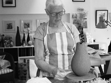 BAW21   Linda Cavill, painter and ceramicist