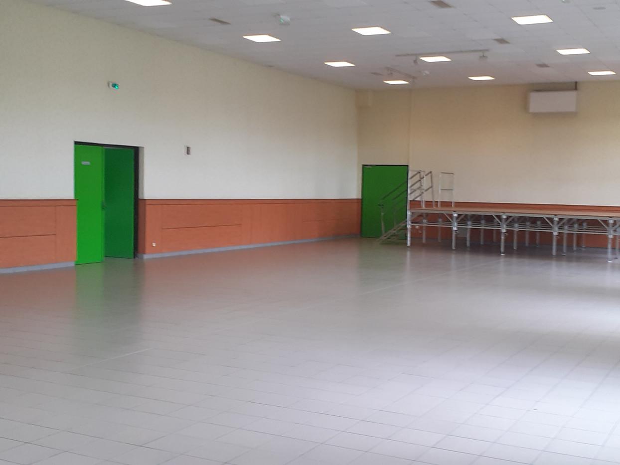 Intérieur salle polyvalente Souzy