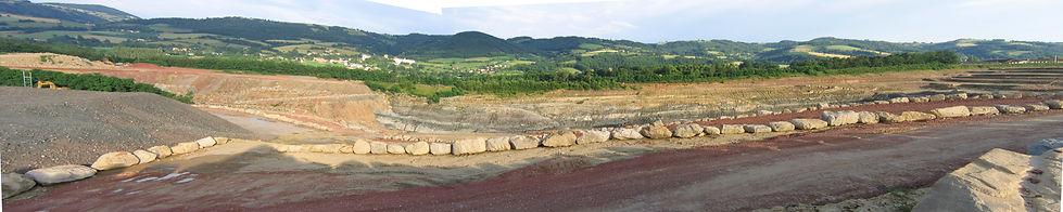 vue panoramique de la carrière d'argile exploitée par IMERYS.