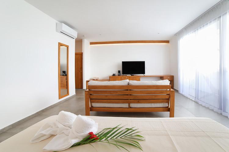 Blanco Hotel 3 Final -17.jpg
