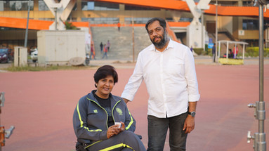 Adnan Safee with Deepa Malik at Jawaharlal Nehru Stadium.