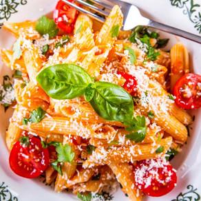 פסטה עגבניות שווה עם טריקים וטיפים לשדרוגים טבעוניים לא מסובכים