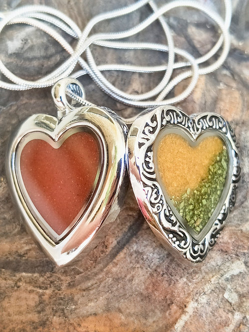 Plated double sided mulgalands heart glass locket